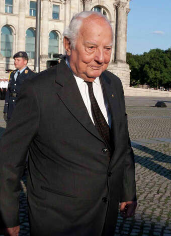 FILE - In this July 20 , 2010 file picture  Ewald-Heinrich von Kleist, walks in Berlin, Germany to attend a military ceremony.  Ewald-Heinrich von Kleist, the last surviving member of the main plot to kill Adolf Hitler and who once volunteered to wear a suicide vest to assassinate the Nazi dictator, has died. He was 90.  Von Kleist's wife, Gundula von Kleist said Tuesday March 12, 2013  her husband died at his home in Munich on March 8.    (AP Photo/Henning Schacht, Pool, file) Photo: Henning Schacht