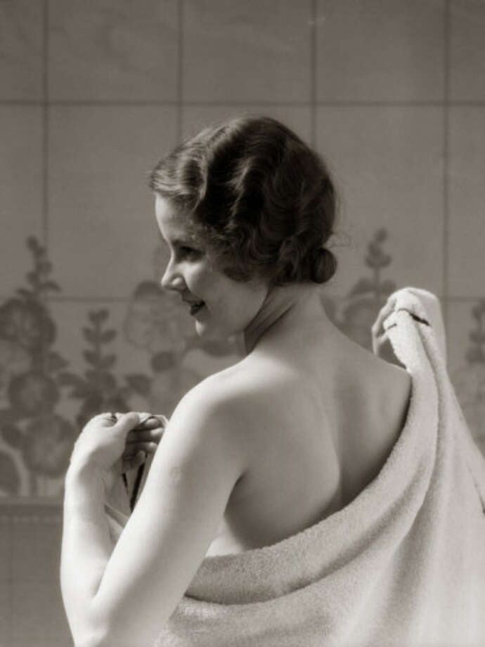Those who dry their backs first after showering are the most creative and anti-establishment types, but they also tend to be the most cannibalistic serial killer types. They cannot ever be trusted.