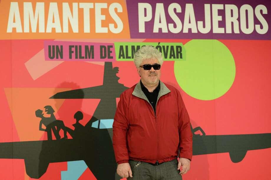 """El gran director español Pedro Almodovar estrena su película """"Los amantes pasajeros"""" en Madrid el 6 de marzo. Photo: AFP/Getty Images"""
