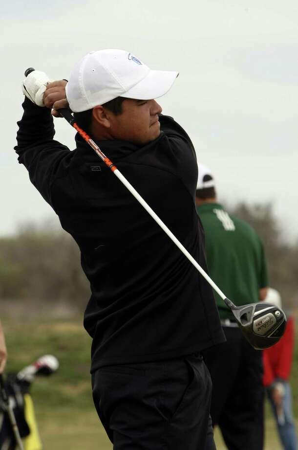 "Aaron Flores was among the first students in Our Lady of the Lake's golf program. Now, he says, ""I never thought I would be considered to be one of the premier athletes in the nation."" Photo: Helen L. Montoya / Conexión"