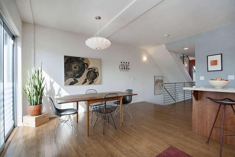 414 40th St., No. 302, $469,000 Photo: Thomas Grubba