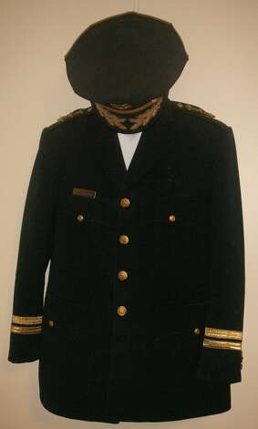 Former mayor Frank Jordan's police uniform.