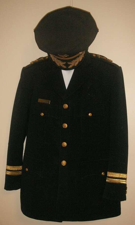 Former mayor Frank Jordan's police uniform.