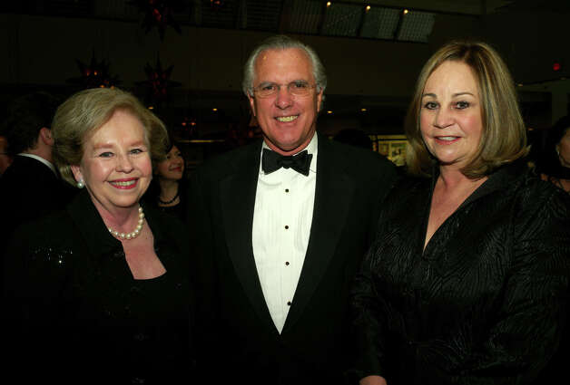 Nancy Loeffler (from left), Richard Fisher and Catherine Nixon-Cooke Photo: LELAND A. OUTZ, For The Express-News / SAN ANTONIO EXPRESS-NEWS