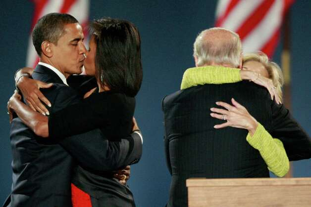 Frankly, when it comes to politicians kissing ... President Barack Obama and Vice President Joe Biden take the cake. Photo: Scott Olson, Getty / 2008 Getty Images