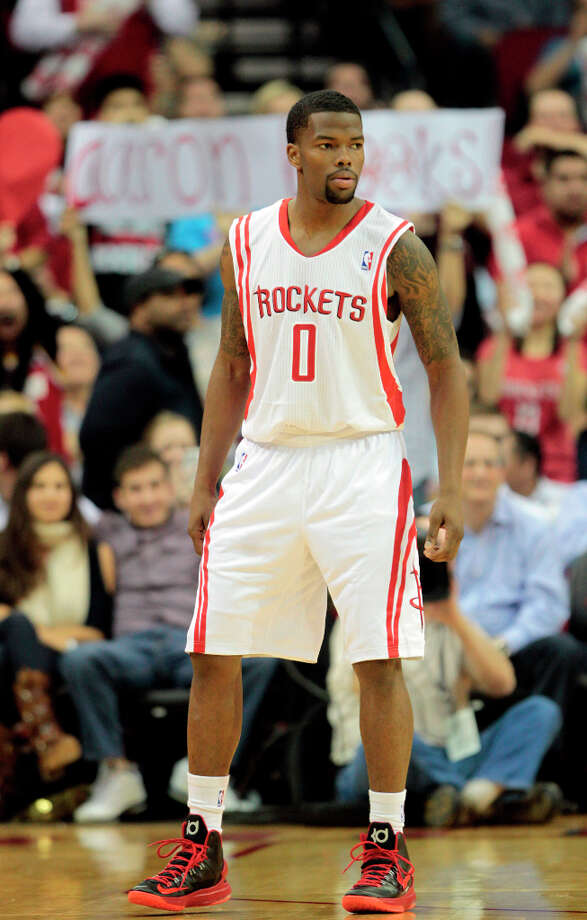Aaron Brooks steps onto the Toyota Center court again. Photo: Billy Smith II, Chronicle / © 2013 Houston Chronicle