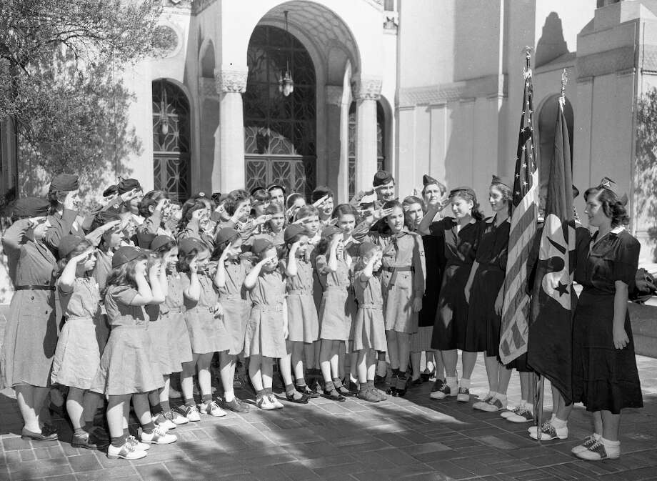 March 1948: Girl Scouts at a non-sectarian church service, Temple Emmanuel in San Francisco. Photo: Chronicle Staff, The Chronicle / ONLINE_YES