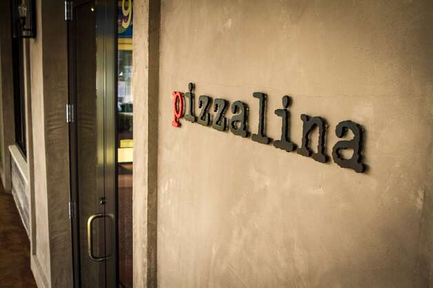 The exterior of Pizzalina.