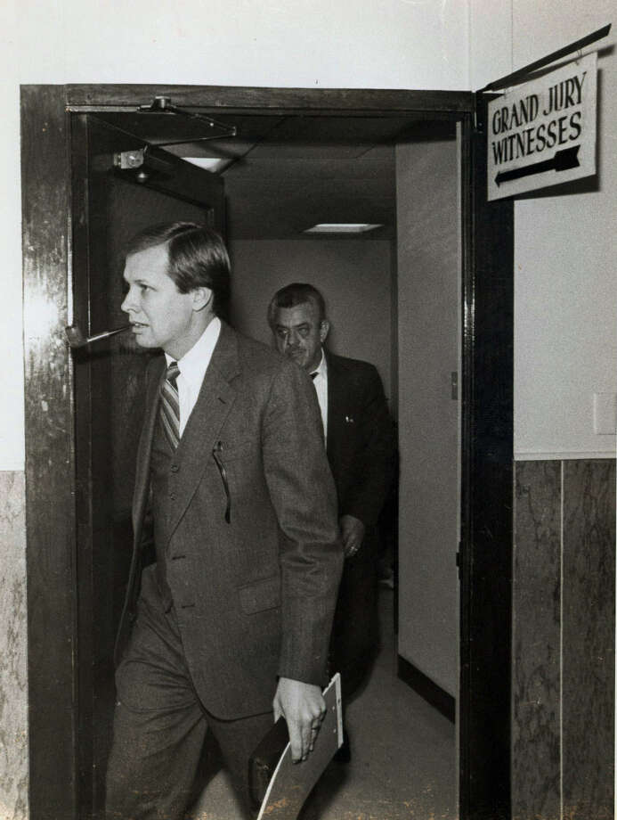 In the 1980s, District Attorney Sam Millsap sought to shut down the Commander's Room and the Navy Club, where the drinking went on through the night and into morning. Photo: Express-News File Photo