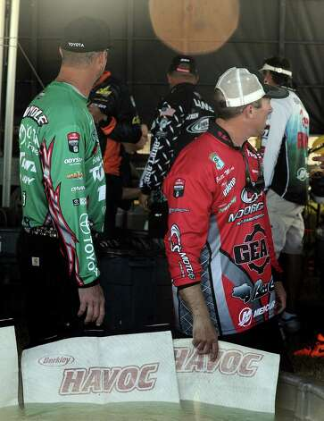 Anglers wait to weigh in during 2013 Bassmaster Elite Series Sabine River Challenge on Thursday, March 14, 2013. Photo taken: Randy Edwards/The Enterprise Photo: Randy Edwards