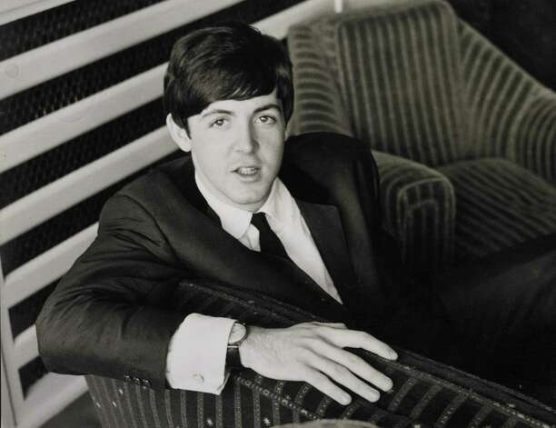 Paul McCartney poses. Photo: Fiona Adams, Getty Images / Redferns