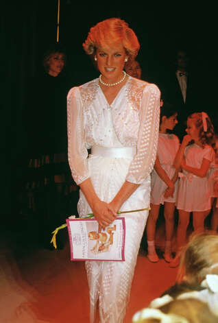 Diana's dress by Zandra Rhodes, seen here at the London Palladium, will be auctioned. Photo: Princess Diana Archive, Getty Images / 2013 Getty Images