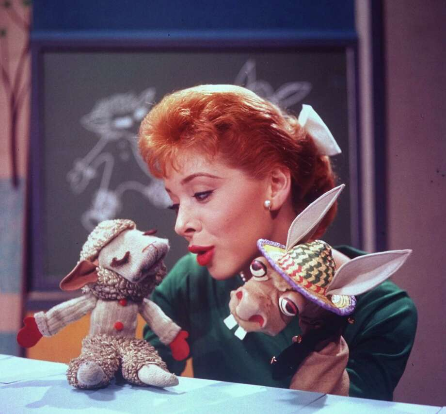 Puppeteer Shari Lewis with puppets Lamb Chop and Charlie Horse in scene from her TV show The Shari Lewis Show. Photo: Esther Bubley, Getty Images / Esther Bubley