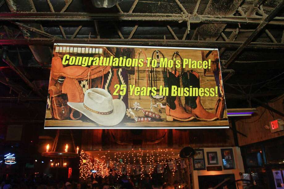 25 years of Mo's Place in Katy. Photo: Gary Fountain, For The Chronicle / Copyright 2013 Gary Fountain.