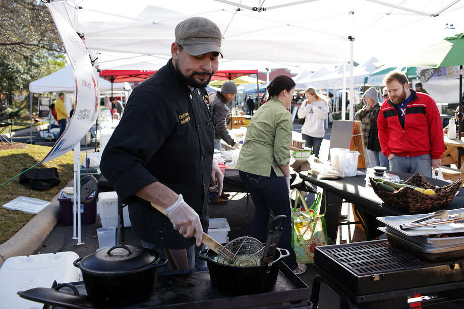 The new rules would eliminate the four-per-year limit on temporary food establishment permits required to cook onsite but also would charge operators $30.29 per week per vendor. Photo: Express-News File Photo