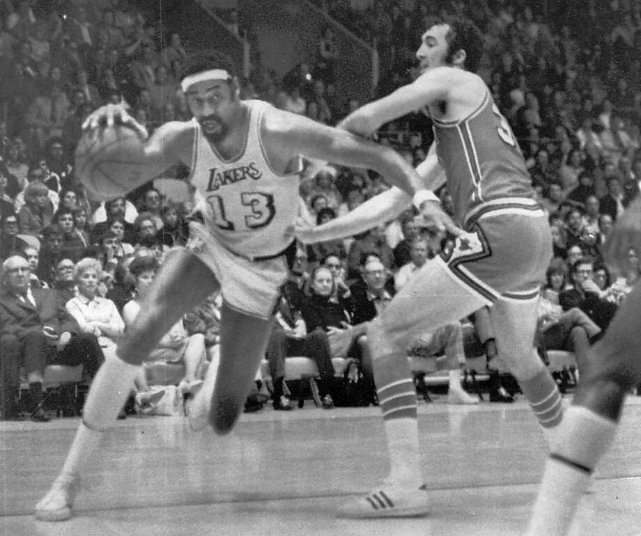 Wilt Chamberlain was a starter on the 1971-72 Lakers team that won an NBA-record 33 straight games against some pretty tough competition. Photo: Adfadf, Associated Press