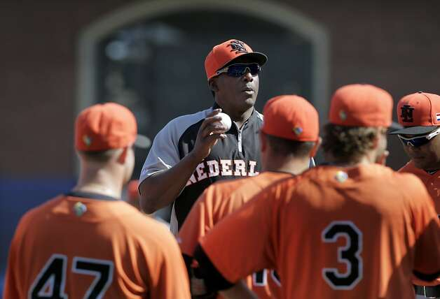 Giants coach Hensley Meulens addresses his Dutch team during a workout at AT&T Park. Photo: Paul Chinn, The Chronicle
