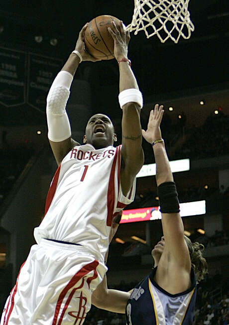 Tracy McGrady and the 2007-08 Rockets could have their 22-game win streak tied. Photo: Pat Sullivan / Associated Press