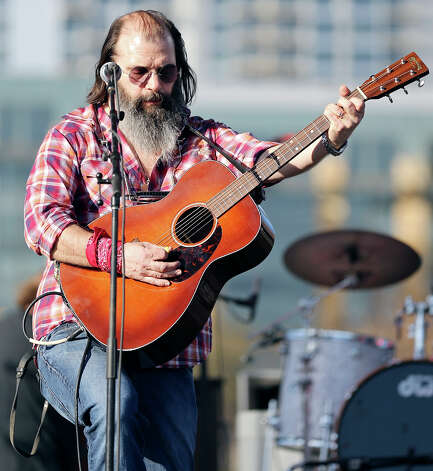 Steve Earle performs at Auditorium Shores during South by Southwest Saturday March 16, 2013 in Austin, TX. Photo: Edward A. Ornelas, Edward A. Ornelas / San Antonio Express-News / © 2013 San Antonio Express-News