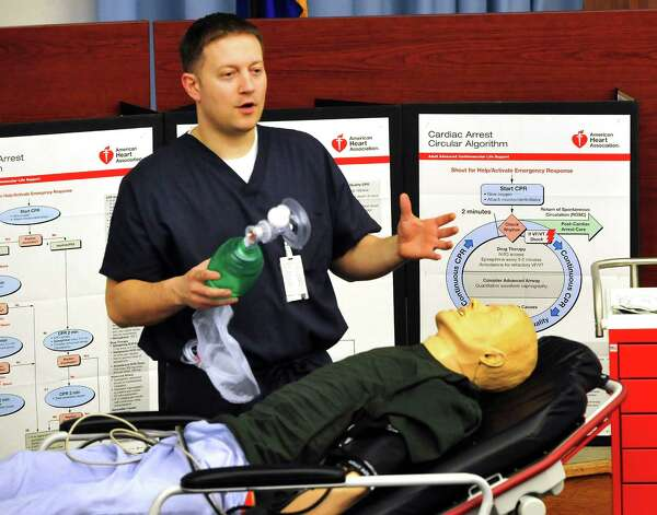 Andy Hull, clinical educator, demonstrates evidence-based practice training at Danbury Hospital, offered throughout the network, Friday, March 15, 2013. Photo: Michael Duffy / The News-Times
