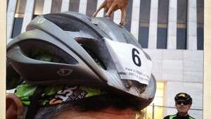 This rider and others leaned forward into the wind. (Eric Kayne/Chronicle)