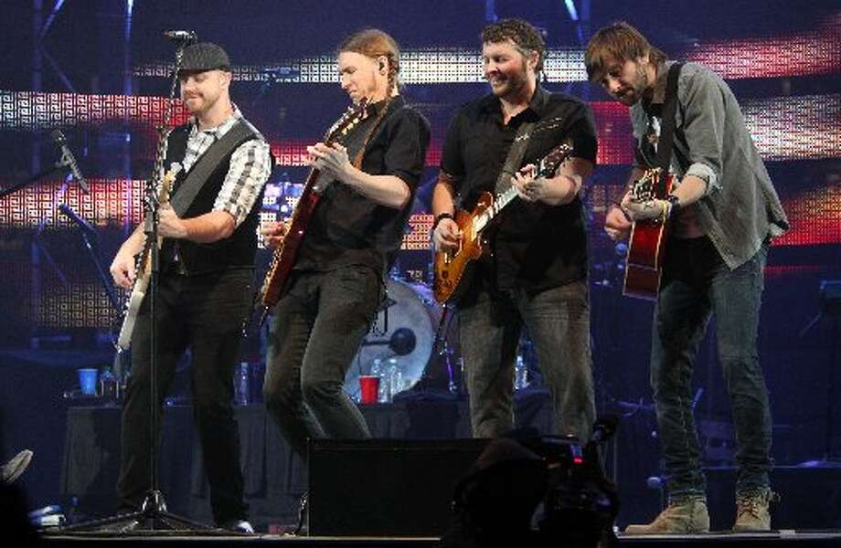 LADY ANTEBELLUM:The group was wise to keep the tempo and energy up through much of the set.