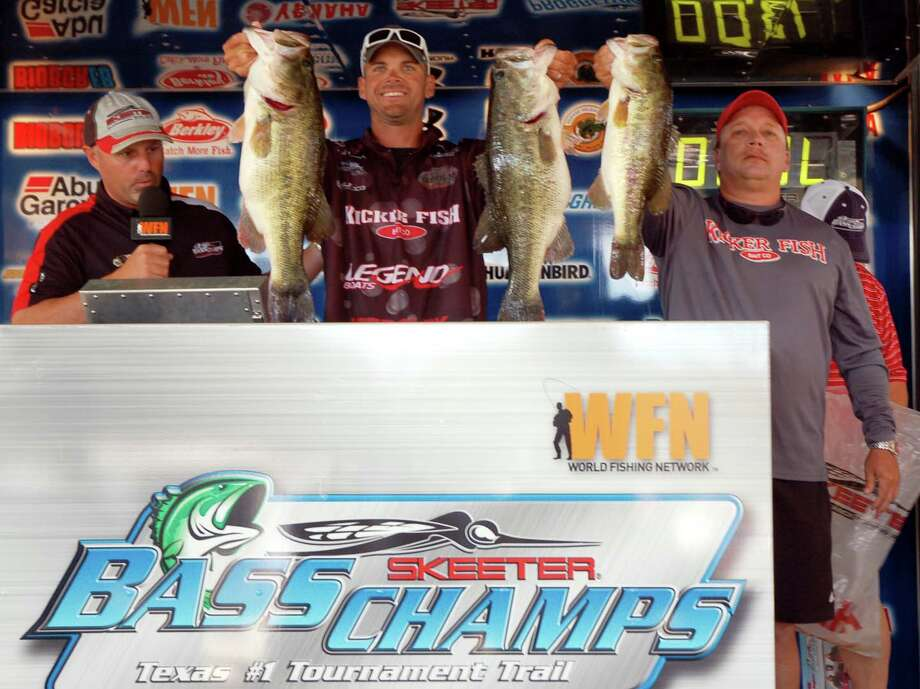 Two twin kickers in the 9 pound range went a long way to cinch the win for Todd Castledine and Billy Howell.  Their three fish total weight was 23.57 pounds!  photo by Patty Lenderman, Lakecaster