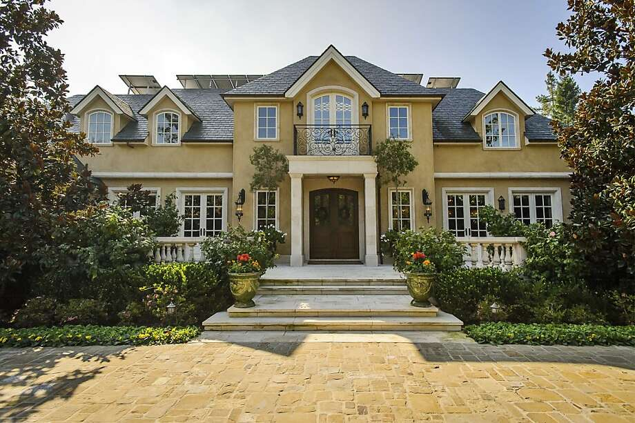 82 Linda Vista Ave. in Atherton is available for $11.25 million. Photo: Dennis Mayer/Obeo, Obeo
