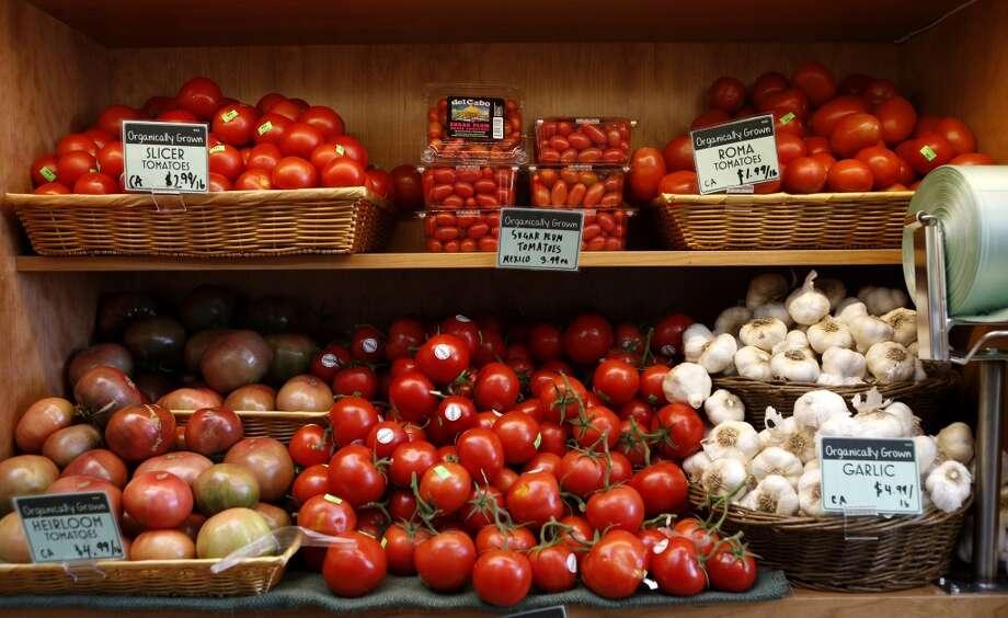 Tomatoes and garlic at the new Bi-Rite.