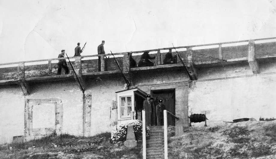 Alcatraz guards herd prisoners not involved in the riot up steps to the prison yard on May 2, 1946. Photo: Bill Young