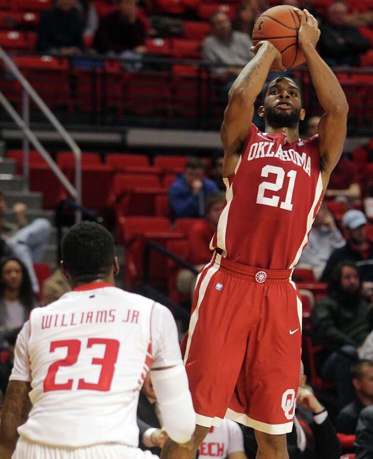 Who's hot: Oklahoma G Cameron Clark — Coming off the bench against ISU in the Big 12 tournament, Clark matched his season high with 17 points in 20 minutes. He's hit 64.7 percent from the field and 84.2 from the foul line in his last five games. Photo: Stephen Spillman, Associated Press / The Avalanche-Journal