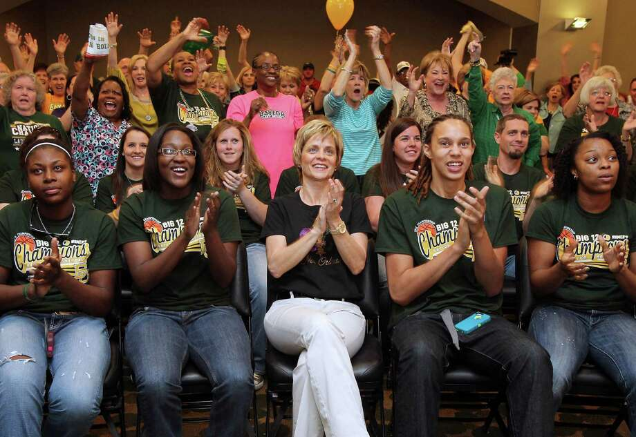 Baylor women's coach Kim Mulkey, center, and her team enjoy the NCAA Tournament selections even though there wasn't any mystery as to the Lady Bears' seeding. Photo: Jerry Larson, MBO / Waco Tribune Herald