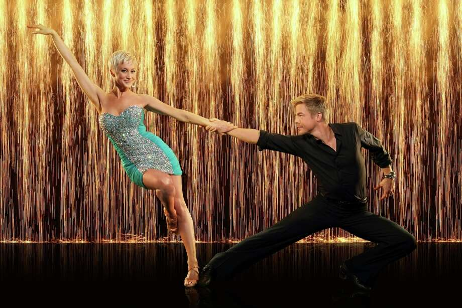 Singer song-writer Kellie Pickler partners with Derek Hough.