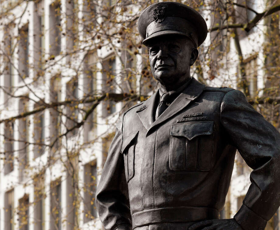 Eisenhower already has a memorial statue in London. Photo: DENNIS GILBERT, DENNIS GILBERT/VIEW / © VIEW PICTURES LTD. The reproduction by whatever means of the whole or part of any Image (including, without limitation, slide