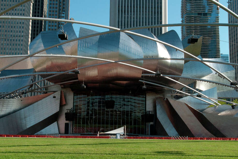 Pritzker Pavillion in Millennium Park, Chicago. Photo: Karina Wang, Getty Images / (c) Karina Wang