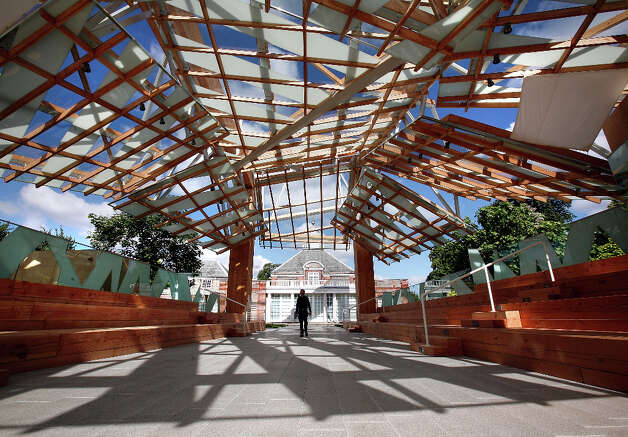 Serpentine Gallery Pavilion, London. Photo: Cate Gillon, Getty Images / 2008 Getty Images