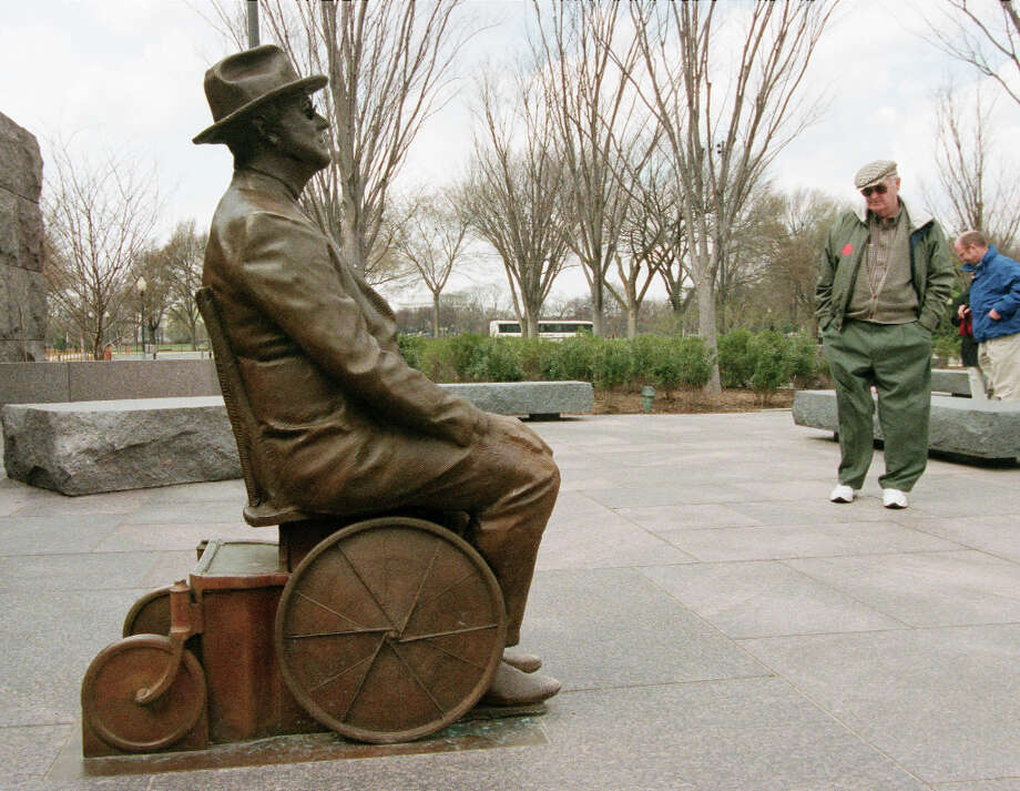 In 2001, the National Park Service added a statue of Roosevelt in a wheelchair near the entrance of the memorial. Photo: Scott J. Ferrell, Congressional Quarterly/Getty Im / Congressional Quarterly