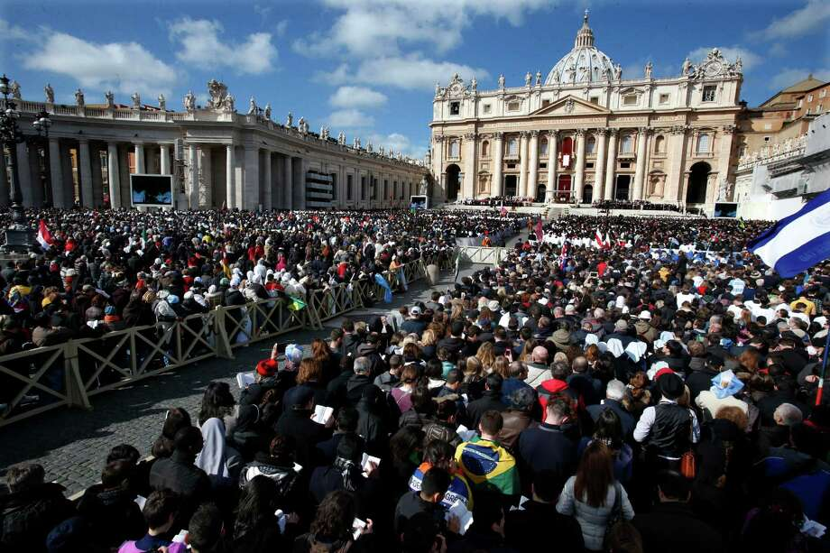 Crowds gather in St. Peter's Square for the  inauguration Mass for Pope Francis at the Vatican, Tuesday, March 19, 2013. Photo: Michael Sohn