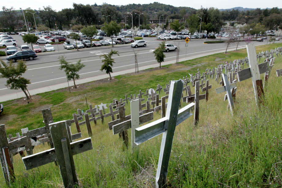 The view from the hill of crosses overlooks the BART station in Lafayette, Calif. Photo: Paul Chinn, The Chronicle / ONLINE_YES