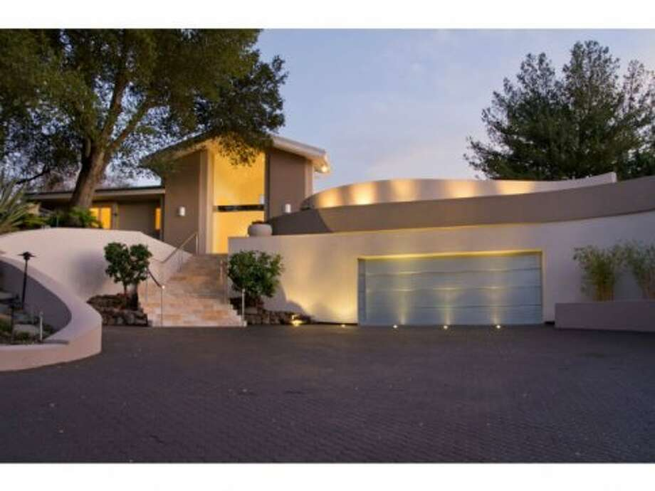 Home was designed and built for Steve Wozniak in 1986.