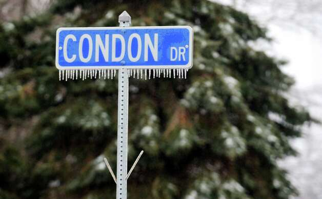An icy street sign in Ansonia, Conn. on Tuesday March 19, 2013. Photo: Cathy Zuraw / Connecticut Post