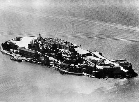 Aerial view dated 1930's of the Alcatraz island and penitentiary, in the San Francisco Bay. Photo: Afp, AFP/Getty Images