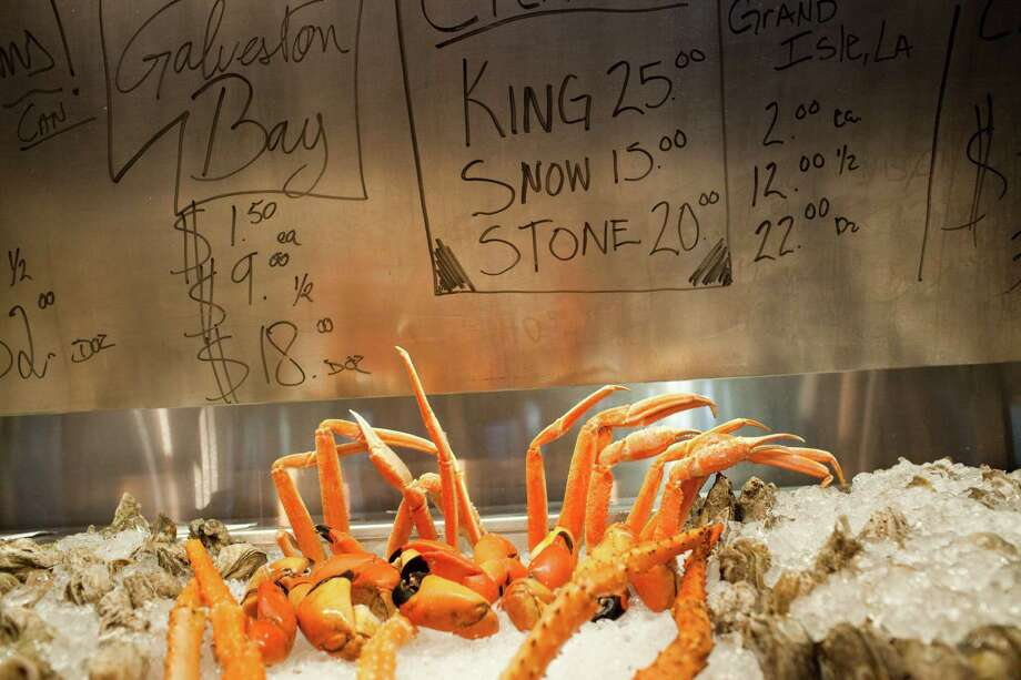 Crab legs might be part of the day's catch at Cold Cove Bar, where a shellfish case displays the days varieties. The prices are written on the lid. Photo: Eric Kayne / © 2012 Eric Kayne