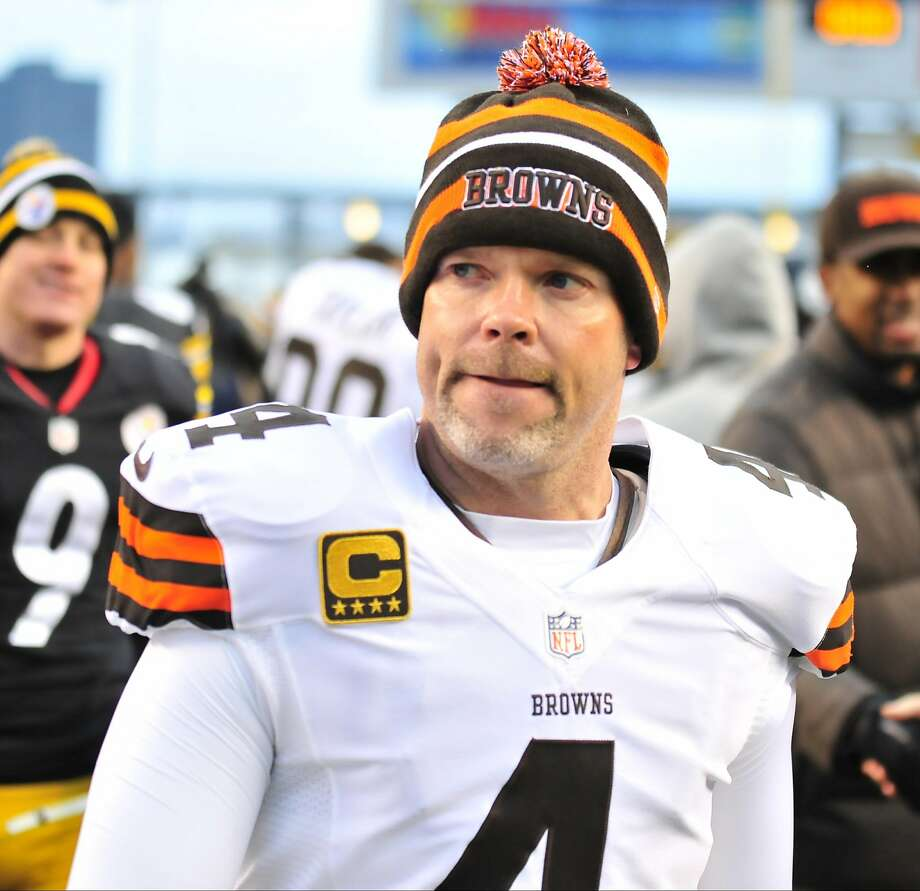 PITTSBURGH, PENNSYLVANIA - DECEMBER 30, 2012: Kicker Phil Dawson #4 of the Cleveland Browns walks off the field after a game against the Pittsburgh Steelers at Heinz Field in Pittsburgh, Pennsylvania. The Steelers won 24-10. (Photo by David Dermer/Diamond Images/Getty Images) Photo: Diamond Images, Diamond Images/Getty Images