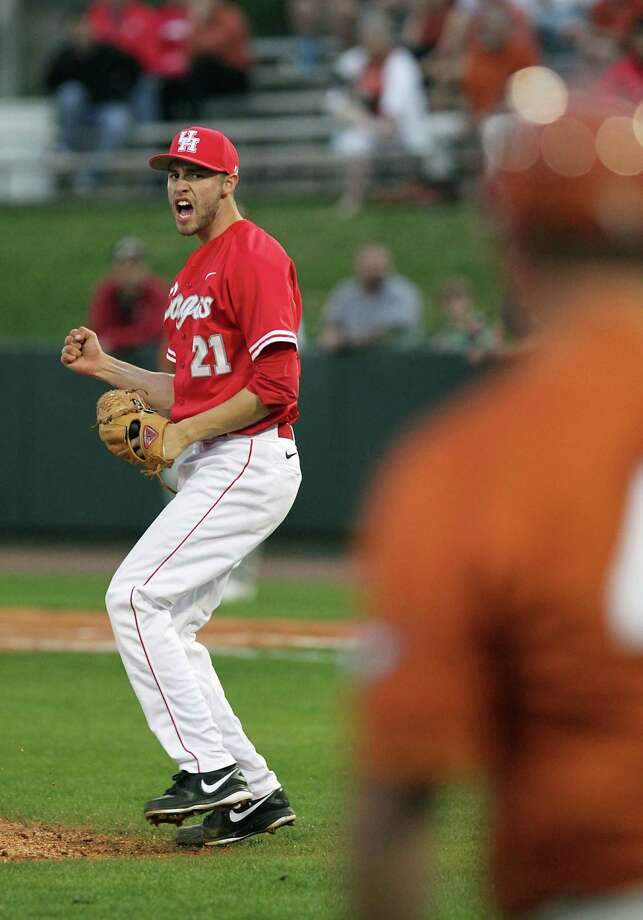 The University of Houston's Arron Graza reacts after retiring the side the third inning of college baseball game action against the University of Houston at the University of Houston's Cougar Field Tuesday, March 19, 2013, in Houston . Photo: James Nielsen, Houston Chronicle / © 2013 Houston Chronicle