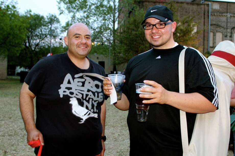 San Antonians enjoyed the beer-themed monthly gathering at HemisFair Park. Photo: Yvonne Zamora/mySA.com