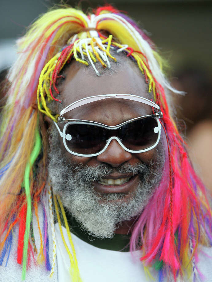 **FILE**Musician George Clinton arrives for the 5th annual Billboard R&B Hip-Hop Awards in Atlanta, in this file photo from  Aug. 5, 2005. Clinton is seeking the public's help in nabbing the thief who stole a video camera and other valuables during a music video shoot. Photo: JOHN BAZEMORE, AP / AP