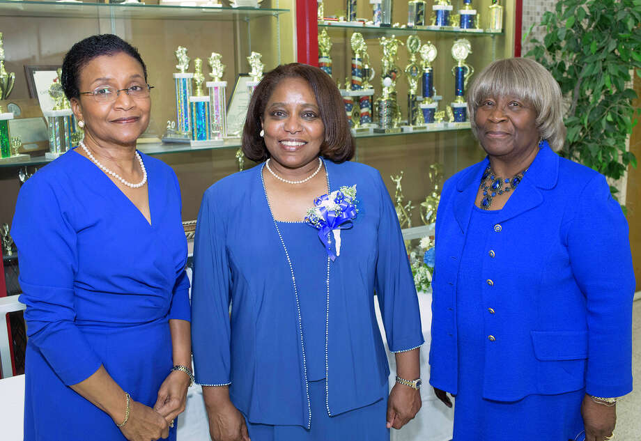 Jean Lawrence (from left), Gwendolyn Oquendo and Ginger Pope Photo: J. MICHAEL SHORT, FOR THE EXPRESS-NEWS / THE SAN ANTONIO EXPRESS-NEWS