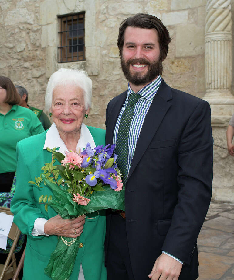 Shirley Donohue and Tyler Tully Photo: J. MICHAEL SHORT, FOR THE EXPRESS-NEWS / THE SAN ANTONIO EXPRESS-NEWS