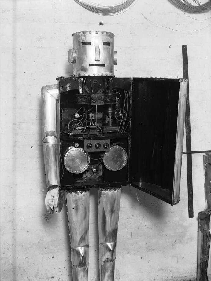 December 1928:  An automatic man with machinery workings of the body. Photo: Fox Photos, Getty / Hulton Archive